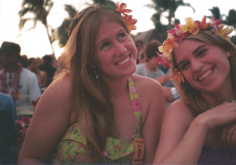 Cara and her youngest sister, Laura Linehan, in Hawaii in 2005 during a Make-a-Wish trip.